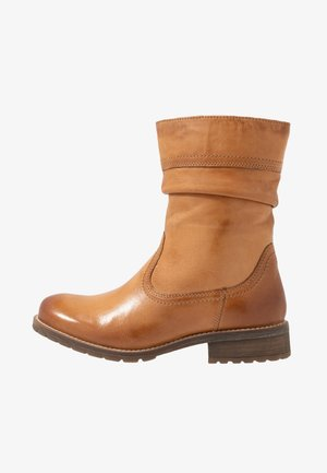 LEATHER WINTER BOOTIES - Korte laarzen - cognac
