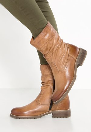 LEATHER WINTER BOOTIES - Classic ankle boots - cognac