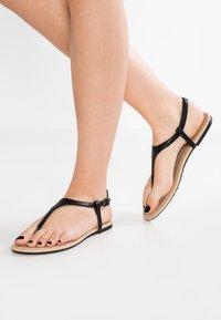Anna Field - Sandály s odděleným palcem - black - 0