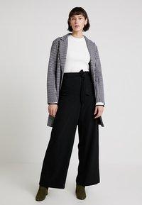 Anna Field - Spodnie materiałowe - black - 1