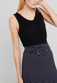Anna Field - Blyantnederdel / pencil skirts - dark blue/white - 3