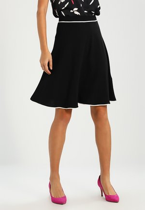 BASIC - A-line skirt - black
