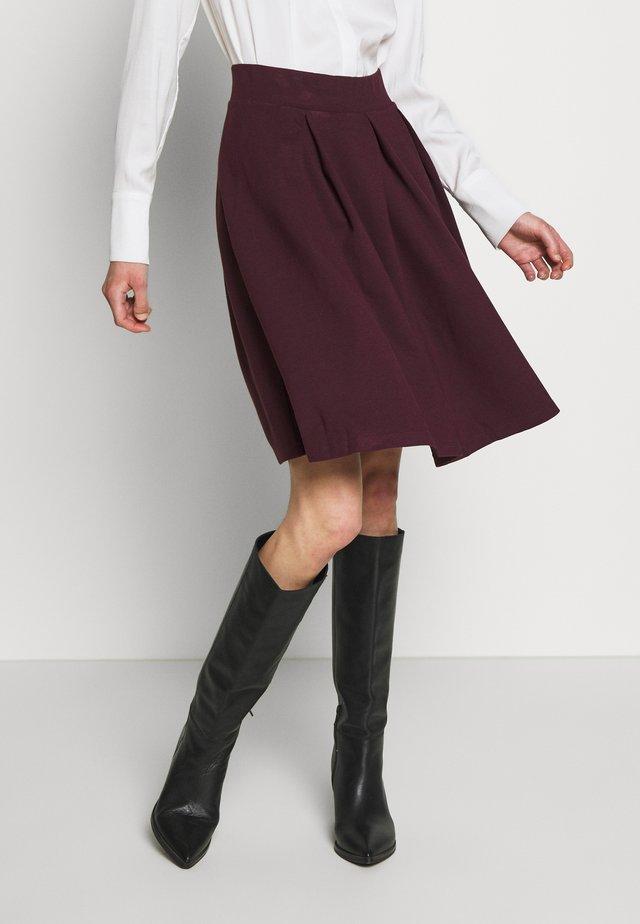 BASIC - A-line skirt - winetasting