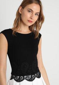 Anna Field - Žerzejové šaty - black/off-white - 4