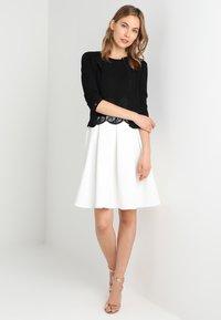 Anna Field - Žerzejové šaty - black/off-white - 1