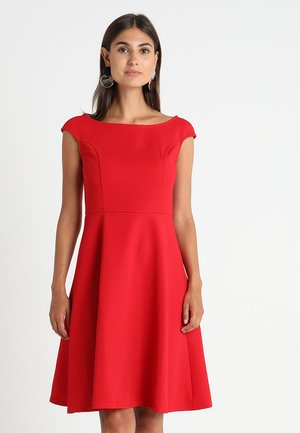 Jersey dress - barbados cherry
