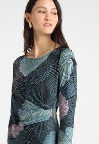Anna Field - Vestido de tubo - black/light blue - 4