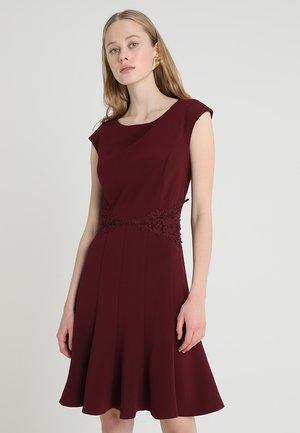 Jersey dress - bordeaux