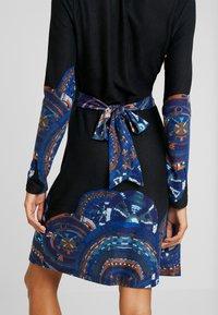 Anna Field - Denní šaty - orange/blue - 6