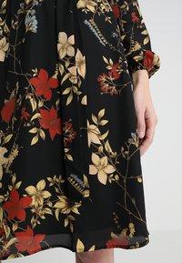 Anna Field - Denní šaty - red/black - 6