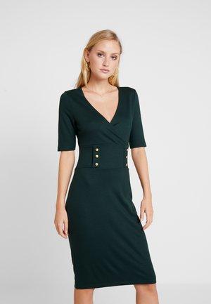 Denní šaty - scarab