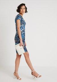 Anna Field - Žerzejové šaty - light blue/blue - 1