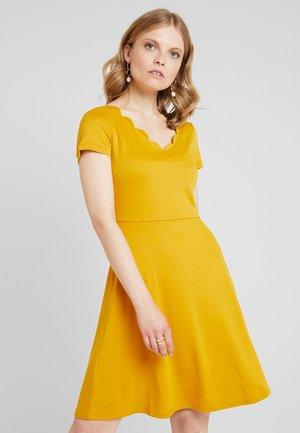 Denní šaty - golden yellow