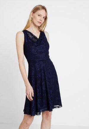 Sukienka koktajlowa - maritime blue