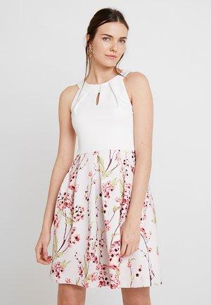 Sukienka koktajlowa - white/rose