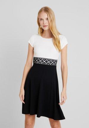 Koktejlové šaty/ šaty na párty - white/black