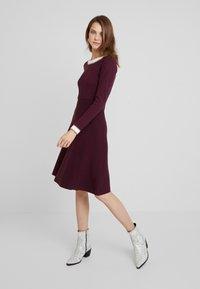 Anna Field - Strikket kjole - winetasting - 1