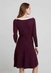 Anna Field - Strikket kjole - winetasting - 2