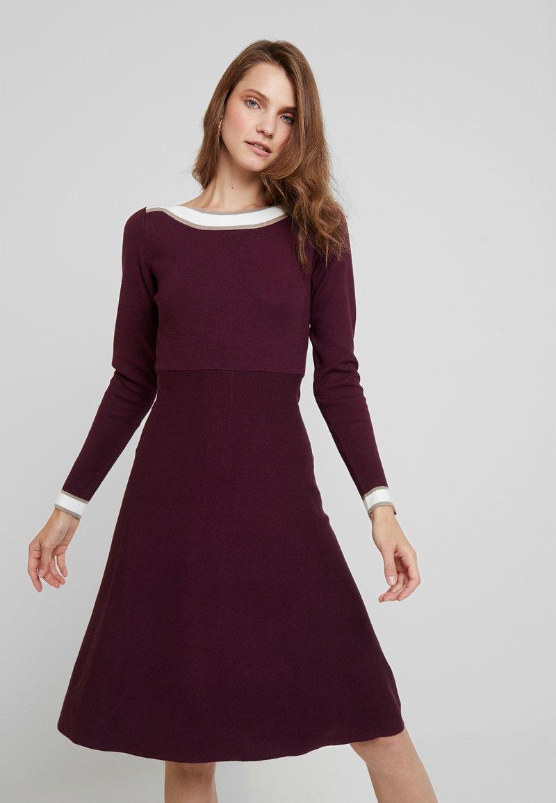 Anna Field - Strikket kjole - winetasting