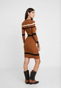 Anna Field - Stickad klänning - camel - 3