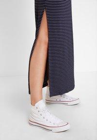 Anna Field - Maxi šaty - dark blue/white - 4