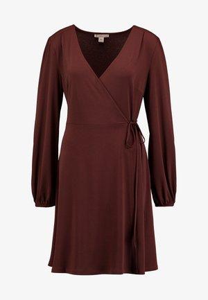 Denní šaty - bitter chocolate