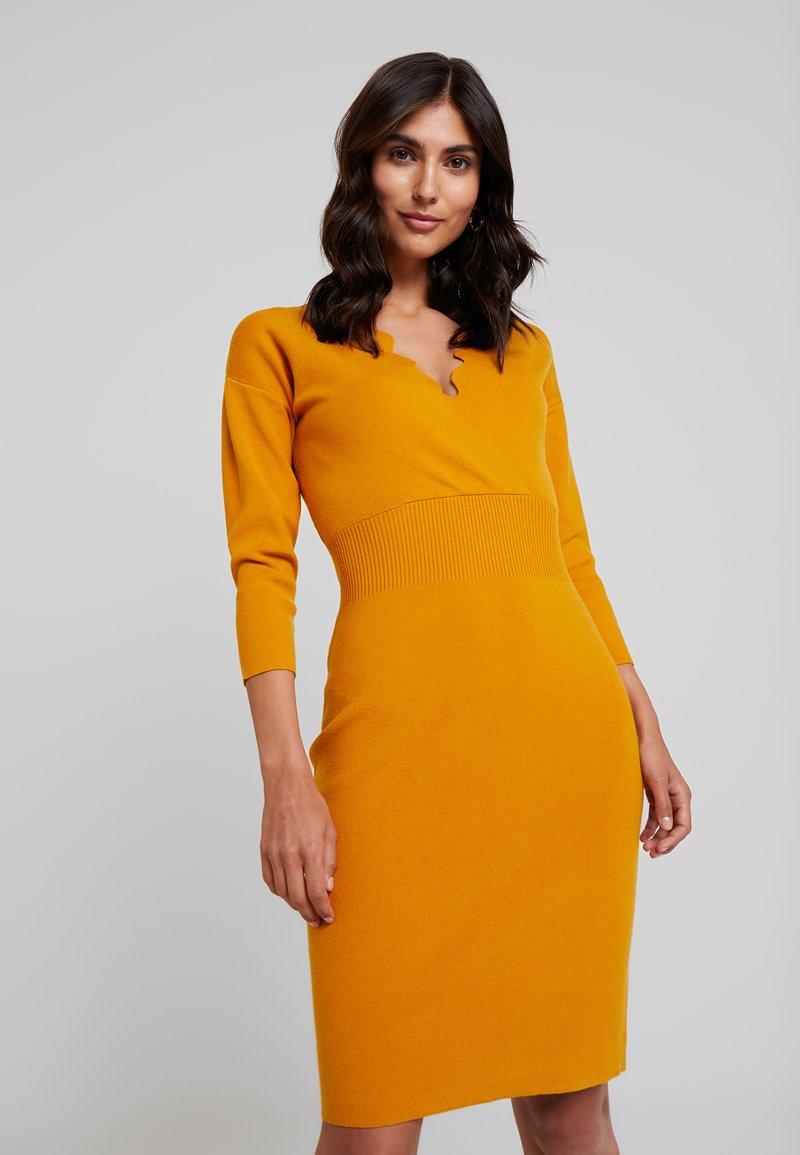 Anna Field - Pletené šaty - golden yellow