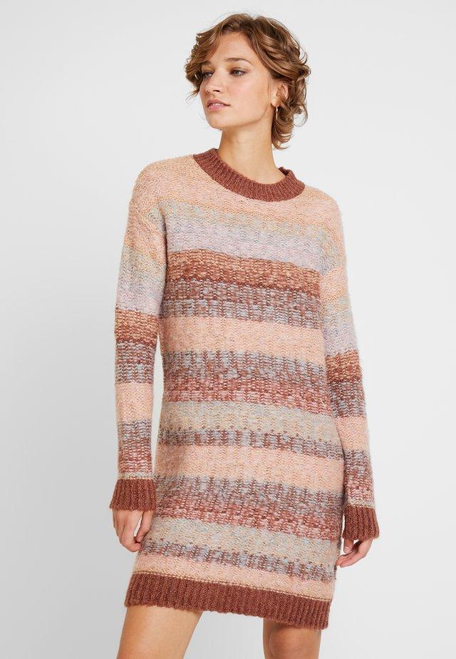 Day dress - brown/pink