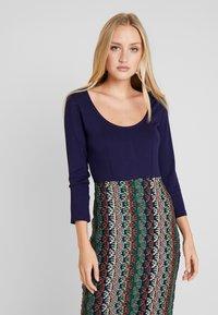 Anna Field - Pouzdrové šaty - multicolor - 4