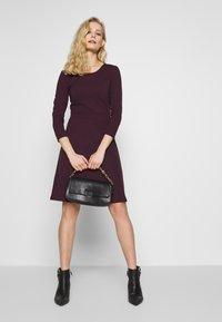 Anna Field - BASIC - Shift dress - winetasting - 1