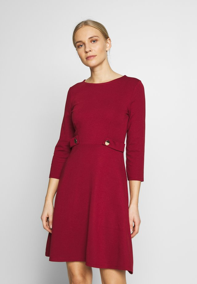 PUNTO FIT & FLARE - Jersey dress - biking red