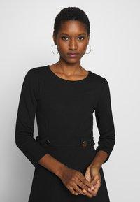 Anna Field - PUNTO FIT & FLARE - Jersey dress - black - 3