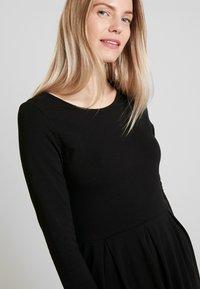 Anna Field - ETUIKLEID BASIC - Pouzdrové šaty - black - 4
