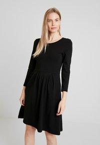 Anna Field - ETUIKLEID BASIC - Pouzdrové šaty - black - 0