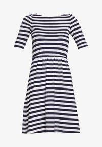 maritime blue/cloudancer stripe