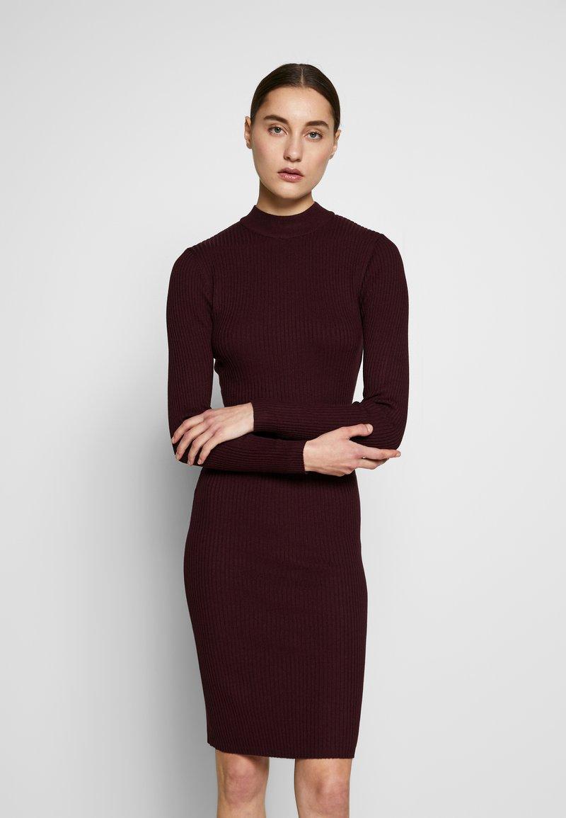 Anna Field - BASIC - Strikket kjole - winetasting