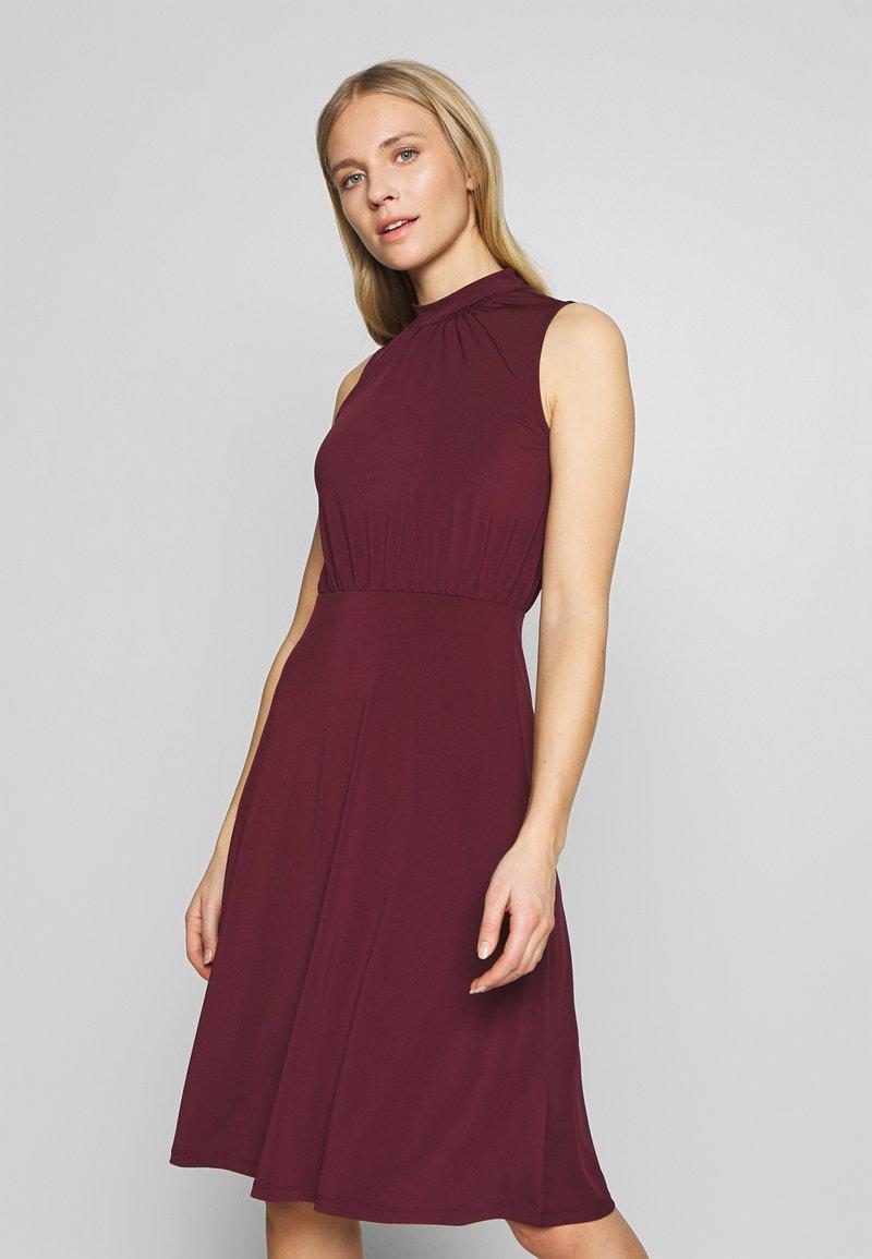 Anna Field - Jersey dress - winetasting