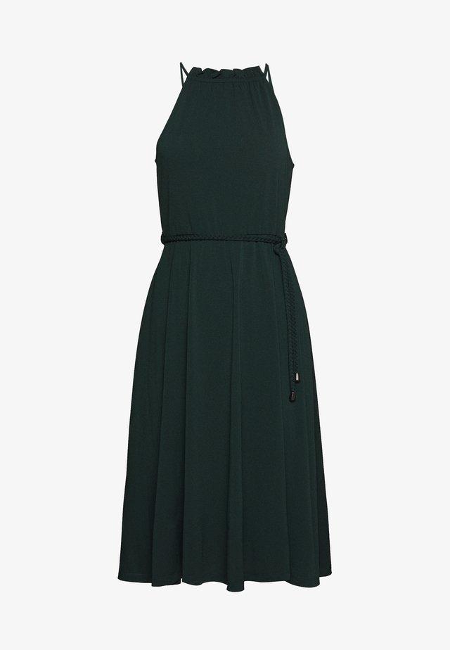 BASIC JERSEYKLEID - Sukienka z dżerseju - scarab