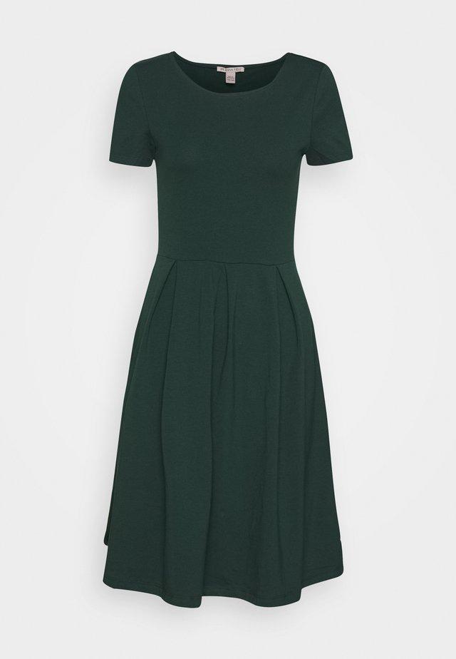 BASIC JERSEYKLEID - Jerseykleid - green