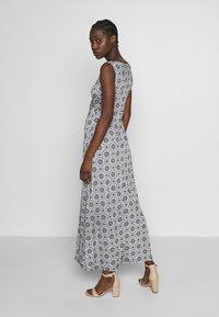 Anna Field - GEO PRINT DRESS  - Maxi-jurk - maritime blue/white - 3