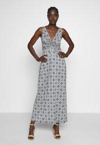 Anna Field - GEO PRINT DRESS  - Maxi-jurk - maritime blue/white - 0
