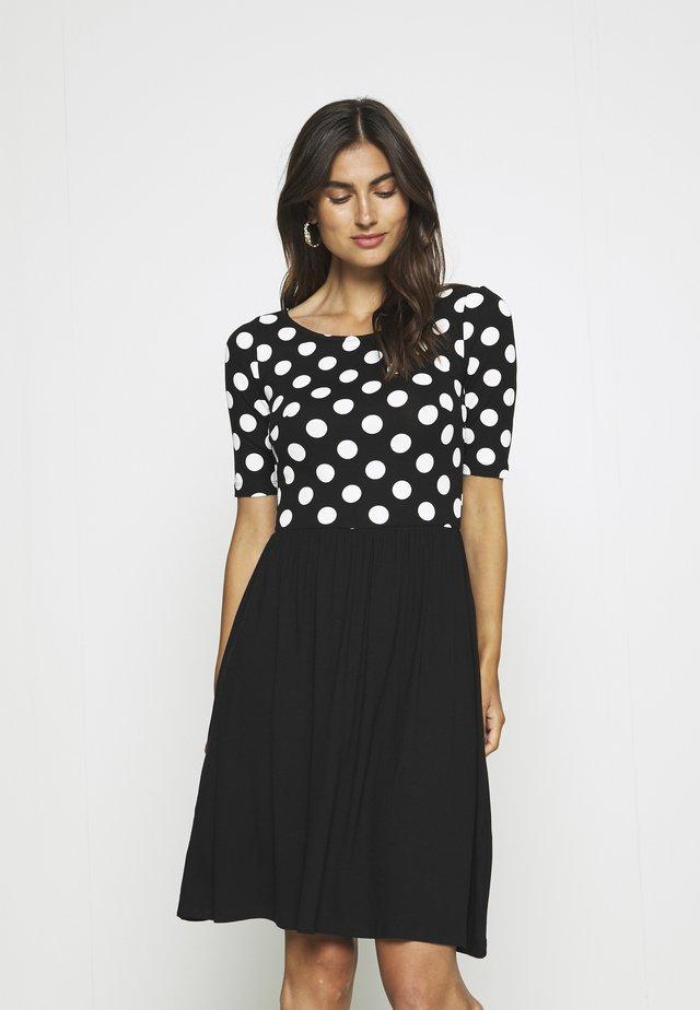 Jerseyklänning - black/white