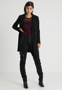 Anna Field - Basic T-shirt - bordeaux - 1