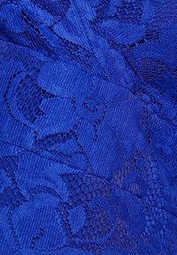 Anna Field - Topper - clematis blue - 5