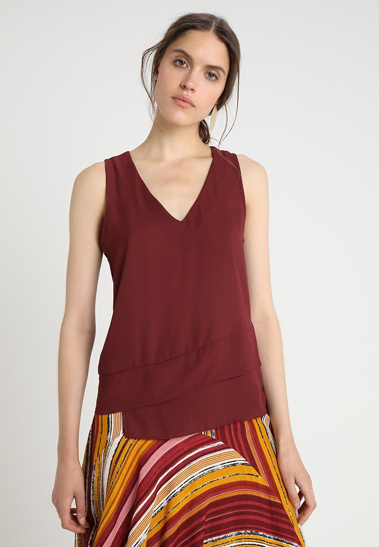 Anna Field - SLEEVELESS TOP WITH RUFFLES - Bluse - burgundy