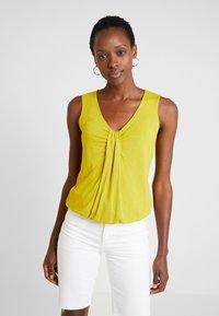 Anna Field - Top - yellow - 0