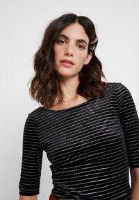 Anna Field - T-shirt z nadrukiem - black - 4