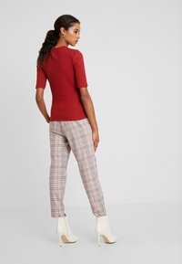 Anna Field - T-shirt z nadrukiem - dark red - 2