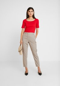 Anna Field - TSHIRT BASIC - Long sleeved top - goji berry - 1