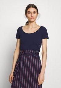 Anna Field - 3 PACK - T-shirt basic - white/navy/light grey melange - 5